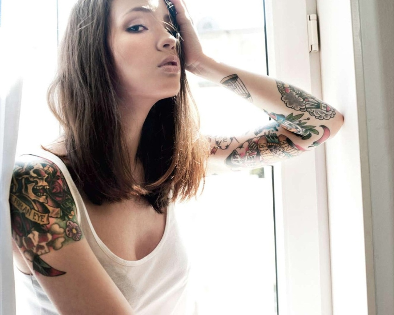 http://www.tattoo-catalog.ru/wallpapers/girl2/tattoo_girl_wallpaper27.jpg